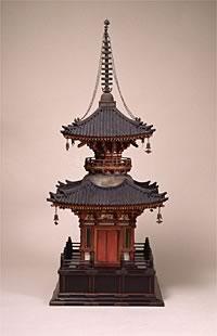 写真:《木製多宝塔》 室町時代前期 宝徳2年銘  【重要文化財】