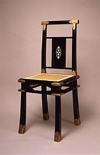 写真:《黒漆螺鈿椅子》 明治時代